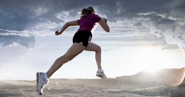 Thử bắt đầu chạy 10km mỗi sáng từ 5 giờ, tôi nhận ra, thể dục là liều thuốc thần có thể chữa trị mọi thứ - Ảnh 3.
