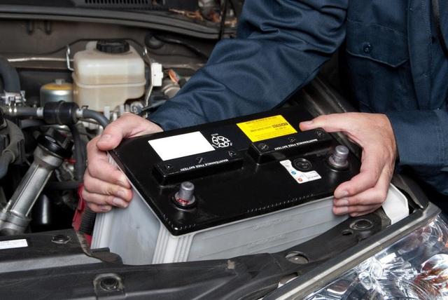 6 bộ phận trên xe ô tô cực dễ hỏng vào mùa nắng nóng - Ảnh 4.