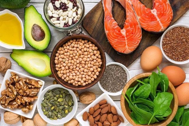 4 loại dinh dưỡng thiết yếu, cơ thể thiếu hụt sẽ suy giảm đề kháng nghiêm trọng: Bạn đã bổ sung đủ chưa? - Ảnh 2.