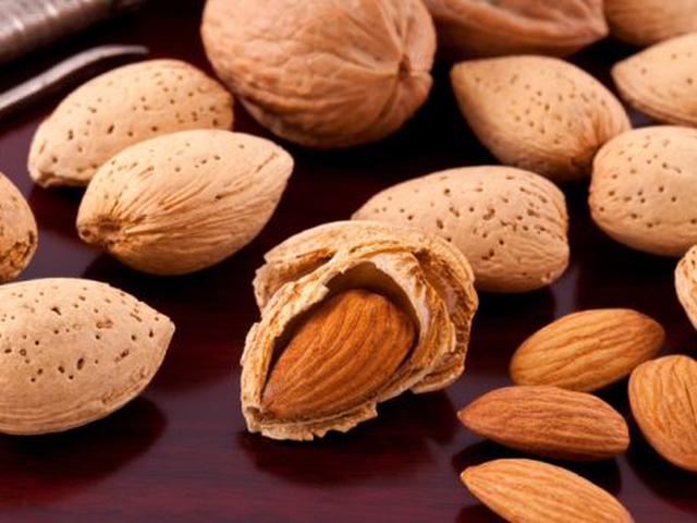 Bổ sung 7 loại thực phẩm này vào bữa ăn nhẹ không chỉ giúp bạn có cơ bắp khỏe mạnh mà còn thu được nhiều lợi ích bất ngờ cho sức khỏe - Ảnh 1.