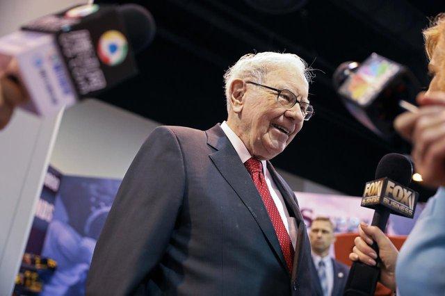 8 chia sẻ về đầu tư và lãnh đạo của Warren Buffett trong cuốn sách mới của tỷ phú Mỹ - Ảnh 3.