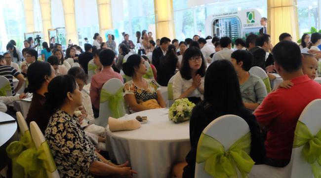 Hàng trăm khách hàng tham dự mở bán Khối C khu Ruby – Celadon City