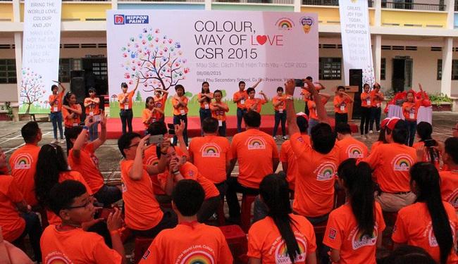 Nippon Paint Việt Nam thay màu áo mới cho trường Hòa Phú, Củ Chi