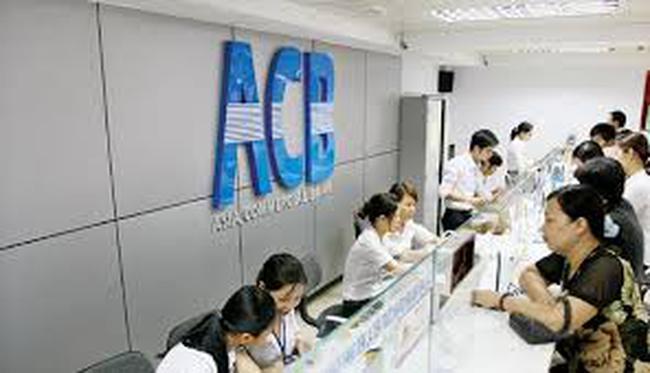 ACB: Lợi nhuận quý II giảm 10%, nợ xấu còn 1,69%
