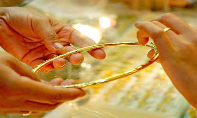 Vàng trong nước còn cao hơn thế giới 3,5 triệu đồng/lượng