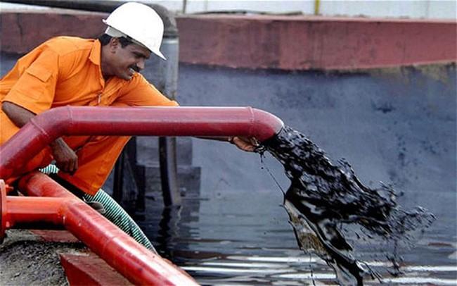 Thế giới tiếp tục thừa dầu trong năm 2016