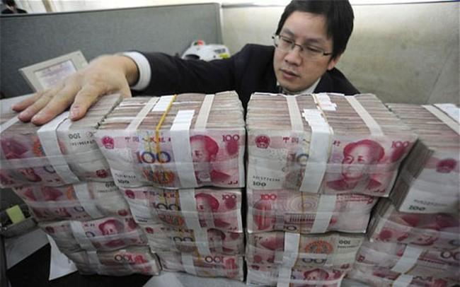 """Vốn ngoại tháo chạy kỷ lục, Trung Quốc """"đạp ga"""" cải cách"""
