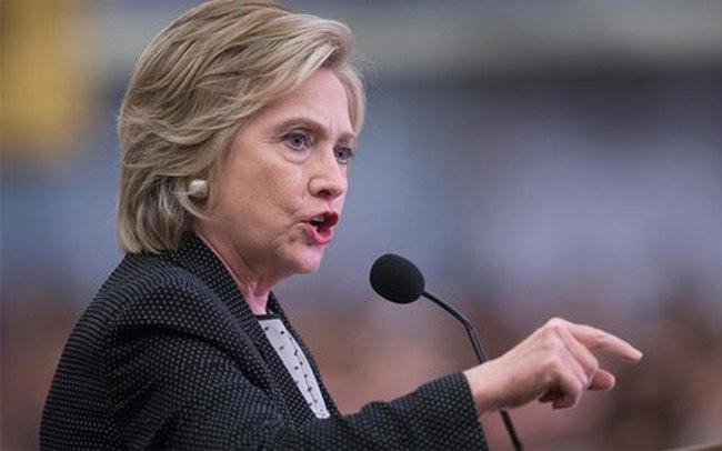 """Bà Hillary Clinton mất uy tín vì """"tiền hậu bất nhất"""" với TPP"""