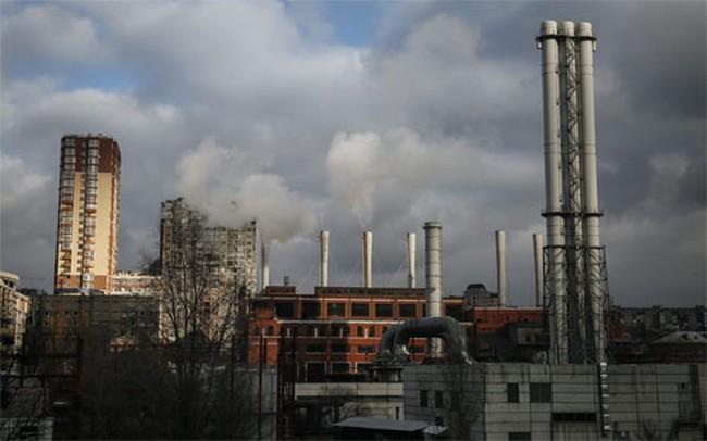 Bị cắt khí đốt, Ukraine cấm máy bay Nga