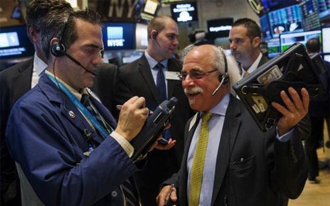 Phố Wall khởi sắc, Dow Jones tăng hơn 600 điểm