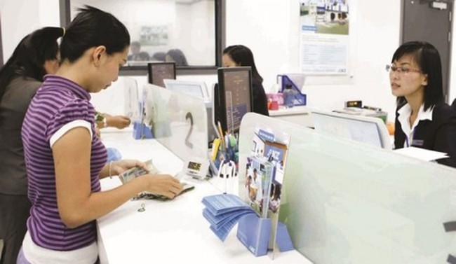 Sức ép cạnh tranh cho ngân hàng nội