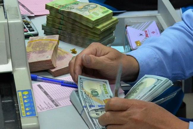 Lãi suất ngân hàng rục rịch tăng
