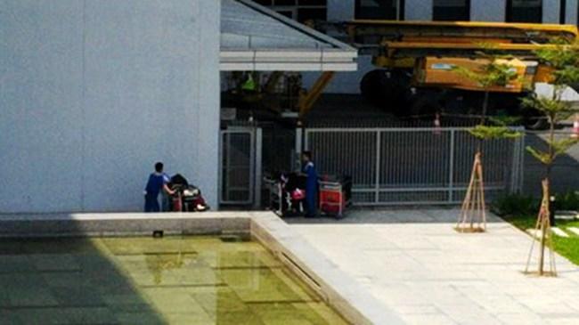 Tôi đi làm phu vác hành lý sân bay: Bài 2-Lật tẩy chiêu trò 'chôm' hành lý sân bay