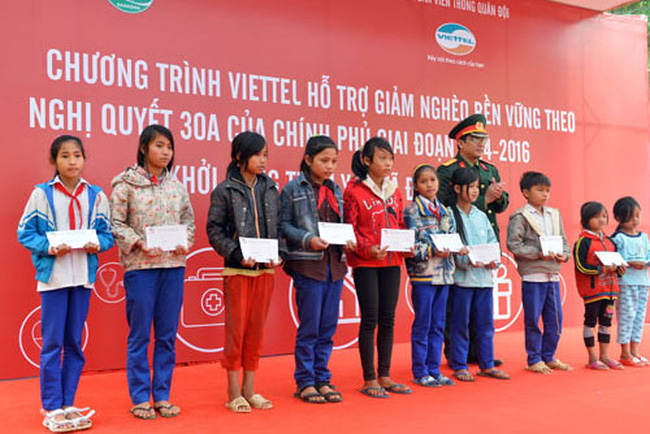 Viettel hỗ trợ 145 tỷ đồng xóa nghèo tại 3 huyện vùng sâu