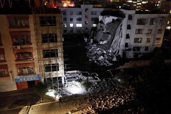 Hiện trường kinh hoàng trong vụ nổ bom liên hoàn tại Quảng Tây
