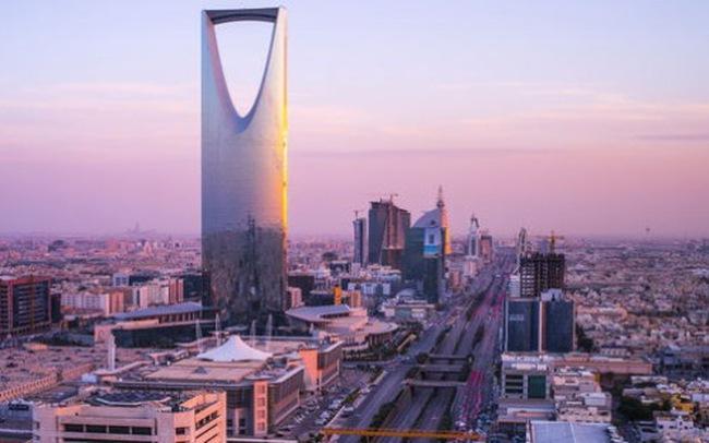 """Saudi Arabia """"lãnh đủ"""" vì toan tính hạ giá dầu"""