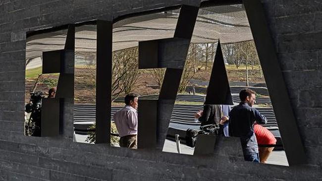 Một loạt quan chức FIFA bị bắt vì nghi án hối lộ 100 triệu USD