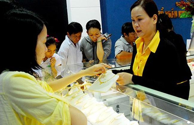 Vàng trong nước nới rộng khoảng cách với thế giới lên 3,3 triệu đồng/lượng