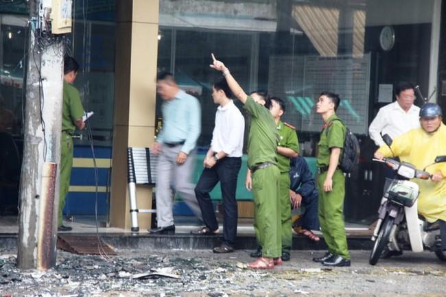 Cháy văn phòng, nhiều người tháo chạy