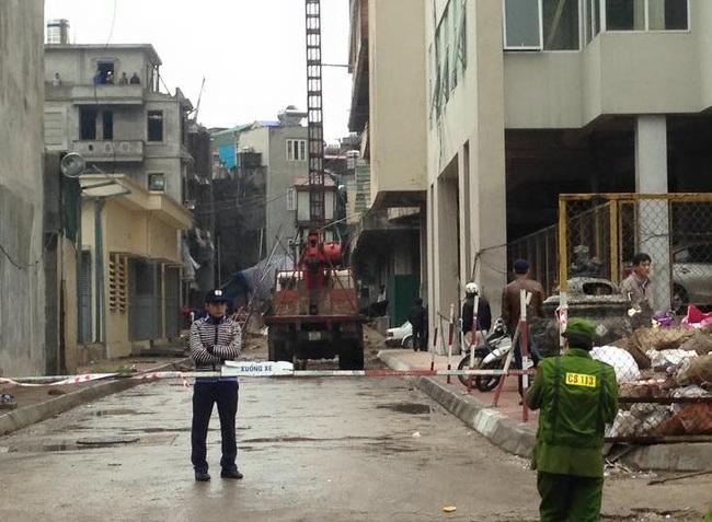 Sập thang công trình, 3 người rơi tự do, 2 người chết tại chỗ