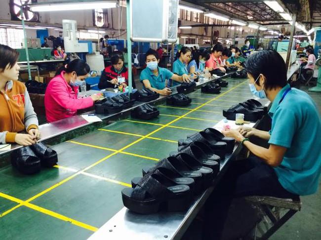 Doanh nghiệp và hàng Việt trước áp lực các dòng thuế bằng 0