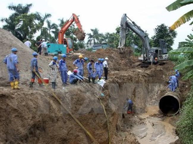 Hà Nội: Vỡ đường ống phân phối nước sông Đà tại điểm siêu thị Big C