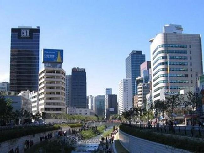 Hàn Quốc ghi nhận thặng dư thương mại tháng thứ 42 liên tiếp
