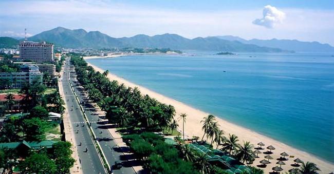 Nhà giàu Hà Nội chuộng biệt thự ven biển Nha Trang