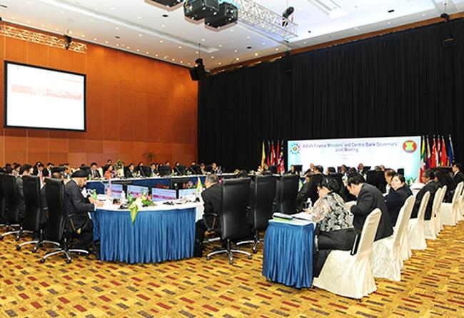 Thúc đẩy hội nhập tài chính-tiền tệ trong ASEAN