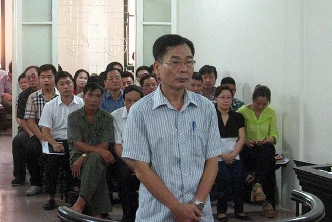 """Xét xử phúc thẩm vụ """"kỳ án"""" 194 phố Huế, Hà Nội"""
