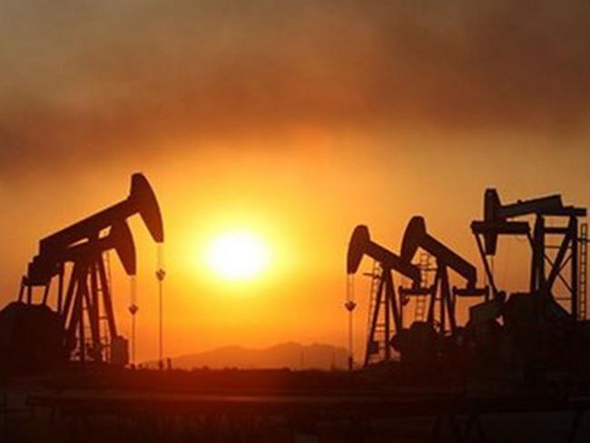 Iran đang dự trữ tới 40 triệu thùng dầu để chờ xuất khẩu