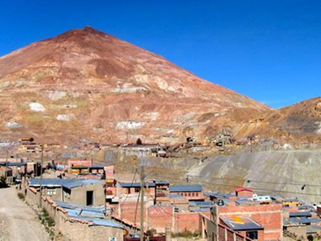 Bolivia đầu tư 925 triệu USD phát triển công nghiệp lithium