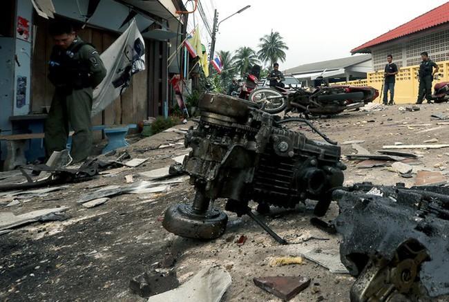 Cận cảnh hiện trường vụ đánh bom tại miền Nam, Thái Lan