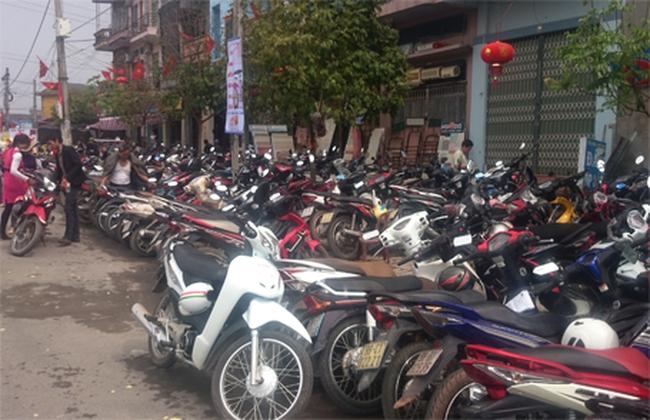 Hà Nội bất lực trước vấn nạn 'chặt chém' giá gửi xe?