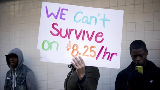 Vì sao các nhà kinh tế học phản đối tăng lương tối thiểu?