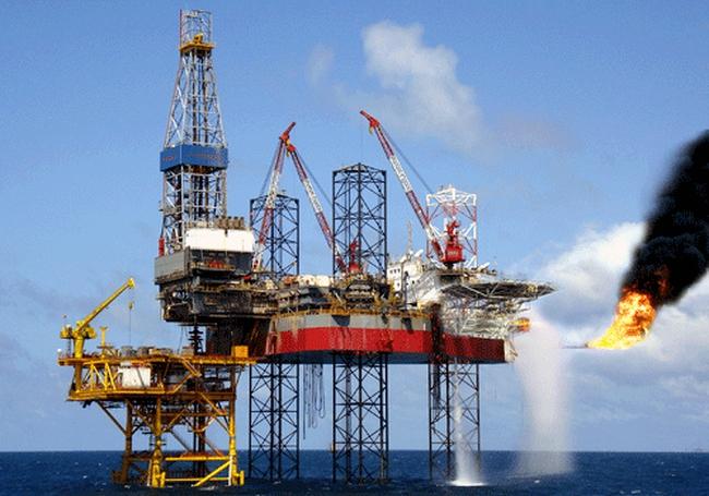 Tháng 1/2015: Giá giảm, sản lượng khai thác dầu thô vẫn tăng