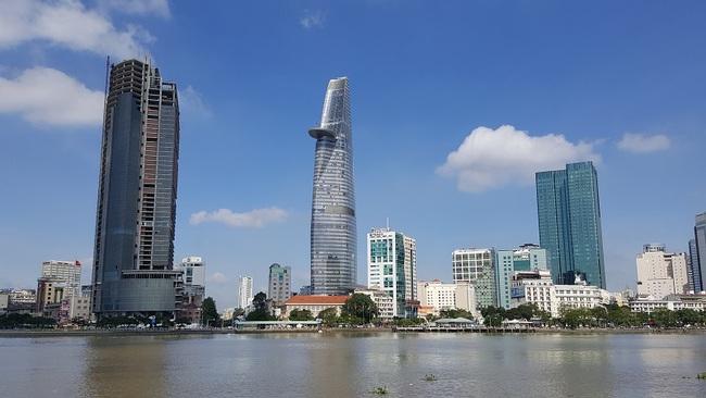 """Tòa tháp cao thứ 3 Tp.HCM """"đắp chiếu"""", một cổ đông lớn thoái sạch vốn"""