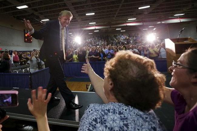 """Donald Trump sẵn sàng """"đốt"""" 100 triệu USD cho chiến dịch tranh cử Tổng thống Mỹ"""