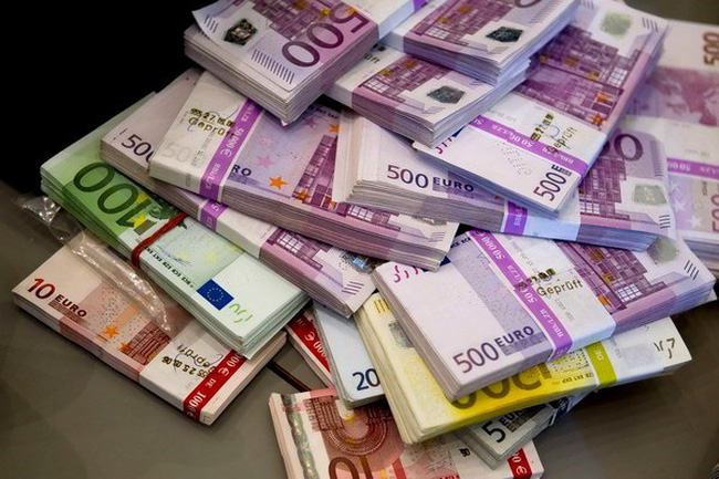 Nguyên nhân khiến kinh tế khu vực đồng tiền chung Eurozone đi xuống?