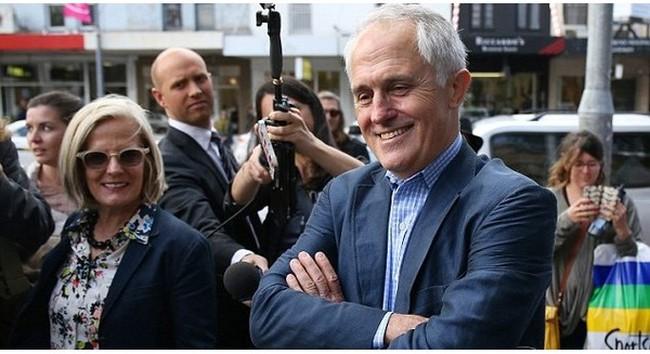 """Cậu bé 15 tuổi khiến cả nước Úc kinh ngạc khi """"dạy"""" thủ tướng cách làm từ thiện"""