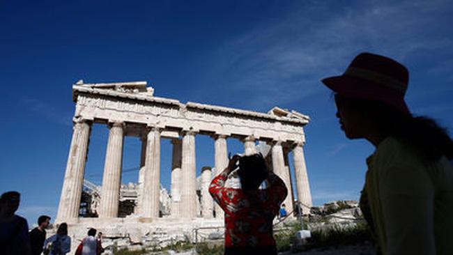 Phố Wall lao dốc vì Hy Lạp và số liệu kinh tế trái chiều