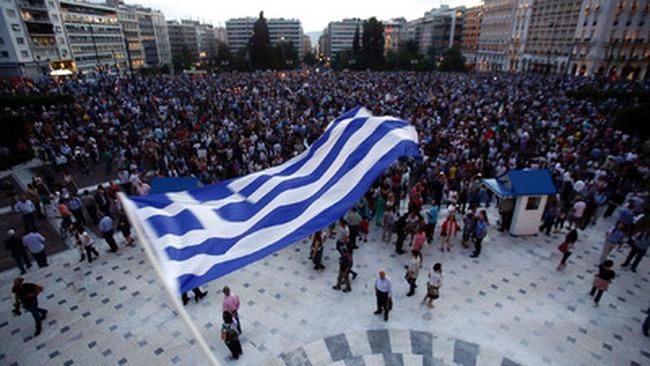 """""""Phớt lờ"""" Hy Lạp, phố Wall có tuần tốt nhất kể từ tháng 4"""