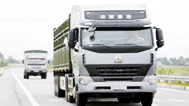 Ồ ạt nhập khẩu xe tải Trung Quốc: Gây họa, ai gánh?