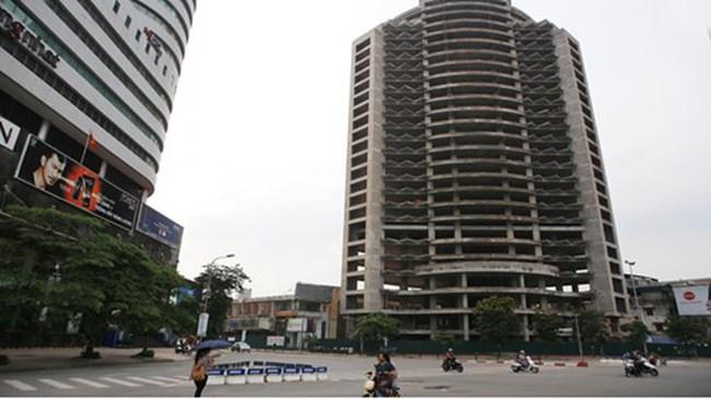 Cao ốc bỏ hoang trên đất vàng Thủ đô