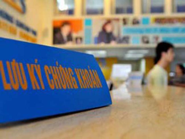 Chứng khoán CIMB - Vinashin bị đình chỉ toàn bộ hoạt động