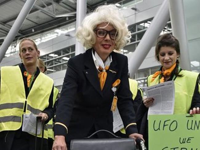 Lufthansa hủy trên 500 chuyến bay do tiếp viên đình công