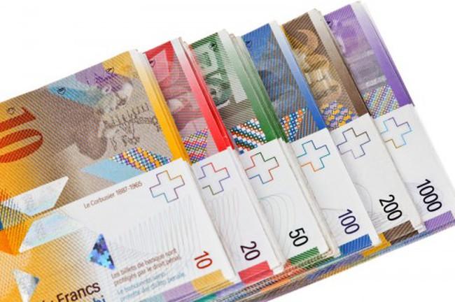 Serbia: Người dân lo lắng trước các khoản nợ bằng đồng Franc