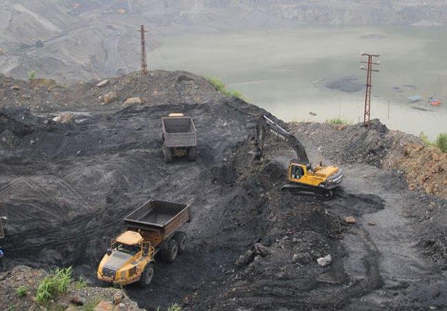 Khó chấm dứt tình trạng khai thác, buôn bán than lậu tại Quảng Ninh