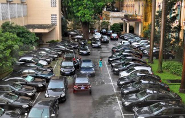 """40.000 xe công """"ngốn"""" gần 13.000 tỷ đồng mỗi năm: Chính phủ nói gì?"""