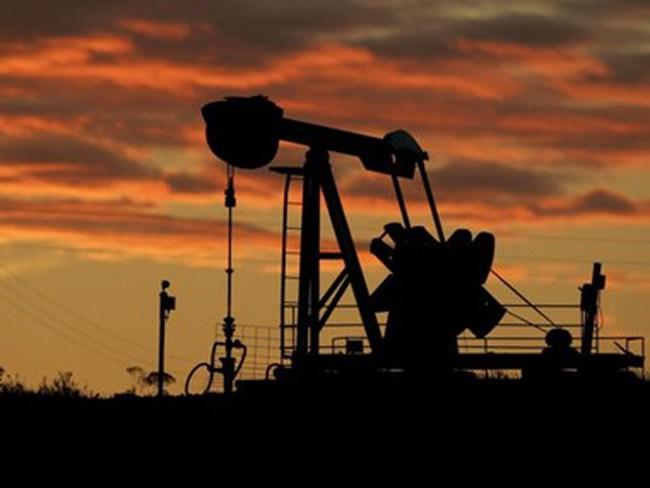 Venezuela sẽ đề nghị OPEC cắt giảm dần sản lượng để nâng giá dầu